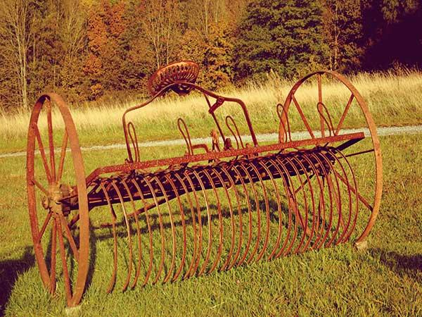 Râteau faneur machine agricole