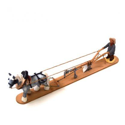 charrue avec santon