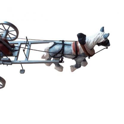râteau faneur avec santon cheval