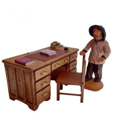 bureau professeur en bois avec santon