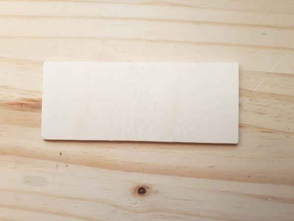 une planche de bois