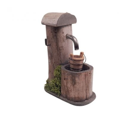 fontaine de berger miniature avec seau